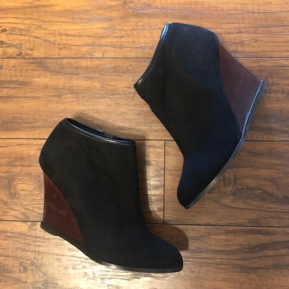Express Shoes - Express faux suede & wood size 8